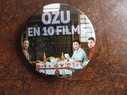 Badge Contemporain Cinéma Japon Cineaste Festival OZU En 10 Films - Merchandising