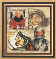 MOZAMBICO MOCAMBIQUE 2002 ASTRONAUTA JOHN GLENN BF MNH ** - Space