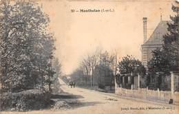 MANTHELAN - Une Rue - France