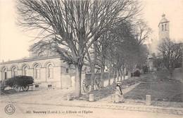 VOUVRAY - L'Ecole Et L'Eglise - Vouvray