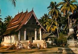 Laos - Luang Prabang - Sanctuaire De Vat Aham - Semi Moderne Grand Format - 2 Scans - état - Laos