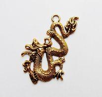 Pendentif Métal Doré Dragon - Jewels & Clocks