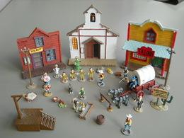 Mini Figurines Playstoy En Plomb, Lucky Luke, Dalton, Shérif, Rantanplan, Jolly Jumper Et Bâtiments - Figurines