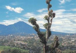 EL SALVADOR - Vista Panoramica Del Volcan Y Ciudad De San Salvador - Salvador
