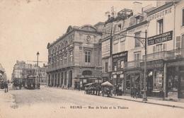 51 - REIMS - Rue De Vesle Et Le Théâtre - Reims