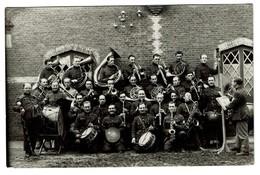 Carte Photo - Camp De Beverloo - Bourg Léopold - Répétition - Musiciens - 2 Scans - Militaria