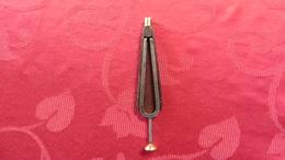 Outil : Musique :Ancien Diapason Avec Son étui  Pour Collectionneurs - Musical Instruments