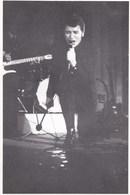 """JOHNNY HALLYDAY ,,photo """""""" DIAZ """""""" ,,ecrit Au Dos ,,, (( 7 Novembre 66 ,palais Des Fetes De PERIGUEUX)) - Célébrités"""