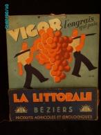 POC1    015  ..LA LITTORALE  OENOLOGIE  Signé BONARD /   VIGOR Pour La Vigne  BEZIERS Carton 30x25 Avec Poche A Courrier - Alcoholes