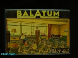 POC1   046  . BALATUM  MOQUETTE  Meubles TOLE Dessins Titre Gaufrés  51 X 35  Annee 39 A 45  Bon état - Advertising (Porcelain) Signs