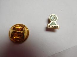 Petit Pin's , Auto , Attelage SIARR , Galerie , Luneray - Badges