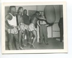 RARE Photo Presse US Armée Guerre 39 45 Rickard Section OISE Entrainement BOXE  Affiche Cirque Pinder - Boxe