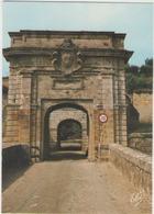 Cpm 33 Blaye - La Citadelle De Blaye - La Porte Royale - Blaye