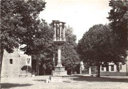 Braine-le-Château - Grand'Place Et Le Pilori - Braine-le-Chateau