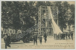 (Vienne) Concours National De Sapeurs-Pompiers Des 3, 4 Et 5 Juin 1911 . Manoeuvres De Sauvetage . Camion . - Vienne