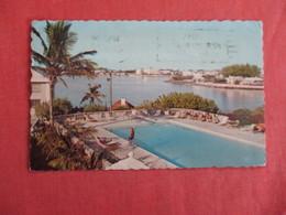 Pool At Inerurie Hotel  Hamilton > Bermuda Stamp & Cancel    Ref 3033 - Bermuda