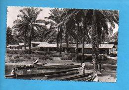 AEF 01 - Village Et Pirogues - Lambaréné - Gabon
