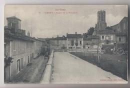 GIMONT (32 - Gers) - Place De La Volaille - Roulottes - Animée - France