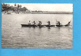 GAB 06 - Gabon - Port Gentil - Arrivée De Courses En Pirogue - Gabon