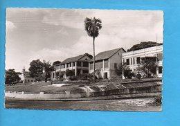 GAB 20 - Libreville Gabon - La Mairie Et Le Cercle Des Finances - Gabon