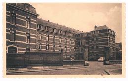 CPA : NAMUR Salzinnes - Clinique Sainte Elisabeth , Entrée Et Parking - Namur