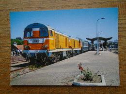 Train , Couplage De BB 2003 ET 2004 En Gare D'autun - Eisenbahnen