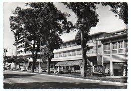 COTE D'IVOIRE - ABIDJAN LE QUARTIER DU PLATEAU. L'HOTEL DU PARC / OLD CARS-2CV/ THEMATIC STAMPS-1964 - Costa D'Avorio