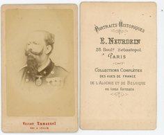 PHOTO 85mm X 55mm VICTOR EMMANUEL ROI D'ITALIE  PHOTO SIGNEE DE E.NEURDEIN 28 BOULD SEBASTOPOL PARIS - Documents Historiques