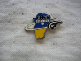 Pin's UNAF De Besancon (Union Nationale Des Arbitres De Football) En 95 - Football