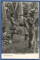 CPA Nu Féminin Femme Nue Ethnic Nouvelle Calédonie New Calédonia Moindou Non Circulé - Nouvelle-Calédonie