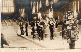 The Lying In State Of His Late Majestyling.Edward VII In Westminster Hall May 1910.....  (108458) - Familles Royales