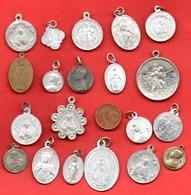 L2// Lot De 20 Médailles  / MEDAILLE RELIGIEUSE - Religion & Esotérisme