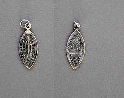 Médaille De N.D De Lourdes Poinçonnée En Argent 0,7g - Religion & Esotérisme