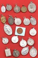 L4// Lot De 20 Médailles  / MEDAILLE RELIGIEUSE - Religion & Esotérisme