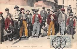 Marseille    13     Les Cireurs Napolitains       (Colorisée Voir Scan) - Petits Métiers