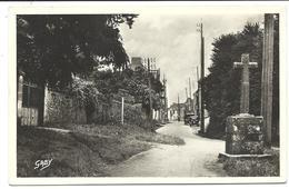 SAINT-GILDAS De RHUYS - Entrée Du Bourg - Croix Calvaire - N°41 Artaud éditeur (vers 1950) - Other Municipalities