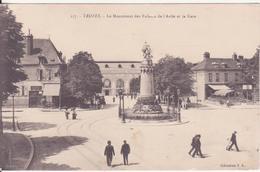 CPA - 117. TROYES - Le Monument Des Enfants De L'aube Et La Gare - Troyes