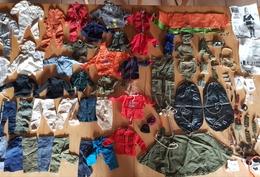 Très Rare Gros Lot De Vêtements Et Accessoires Action Man Palitoy Années 60-70 - Jouets Anciens