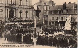 50 VILLEDIEU-les-POELES  La Place De La République Le Jour De L'inauguration Du Monument Aux Morts - Villedieu