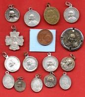 Lot De 15 Médailles Curé D'ARS  J.M VIANNEY  / MEDAILLE RELIGIEUSE - Religion & Esotérisme