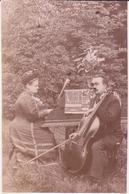 Photo - Un Couple De Musiciens : Violoncelliste Et Pianiste - Lieux