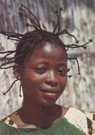 AFRIQUE  EN COULEURS / COIFFURE AFRICAINE / PORTRAIT JEUNE FILLE - Cartes Postales