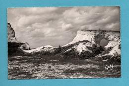 76 Seine Maritime Criel Sur Mer La Lucarne Dans La Falaise Du Mont Jolibois  ( Format 9cm X 14cm ) - Criel Sur Mer