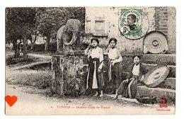 22857-LE-TONKIN-Jeunes Filles De Hanoï---------------animée - Viêt-Nam