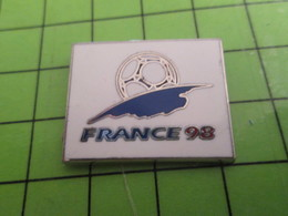 1012C Pin's Pins / Beau Et Rare : Thème SPORTS / FOOTBALL FRANCE 98 (Champions Du Monde ...) TIRAGE NUMEROTE 294 - Football