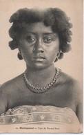 MADAGASCAR   44 TYPE DE FEMME BARA - Madagascar