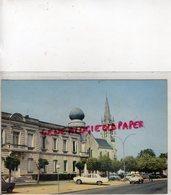 33- MERIGNAC PRES BORDEAUX- LA PLACE EGLISE - DAUPHINE RENAULT - Merignac