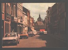 Poperinge - Gasthuisstraat - Classic Cars Peugeot, BMW, ...- Nieuwstaat - Poperinge