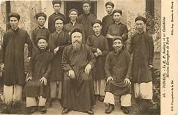 Pays Div : Ref M319- Viet Nam - Vietnam - Tonkin -le R P Soubeyre Et Ses Catechistes -missions Etrangeres De Paris   - - Viêt-Nam