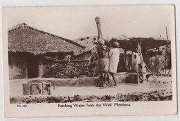 1314 Aborigines Africa Mombasa Fetching Water From The Well - Kenya